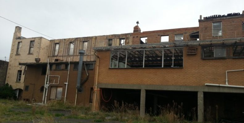 the-criterion-hotel-warrnambool-murrihy-demolition-2